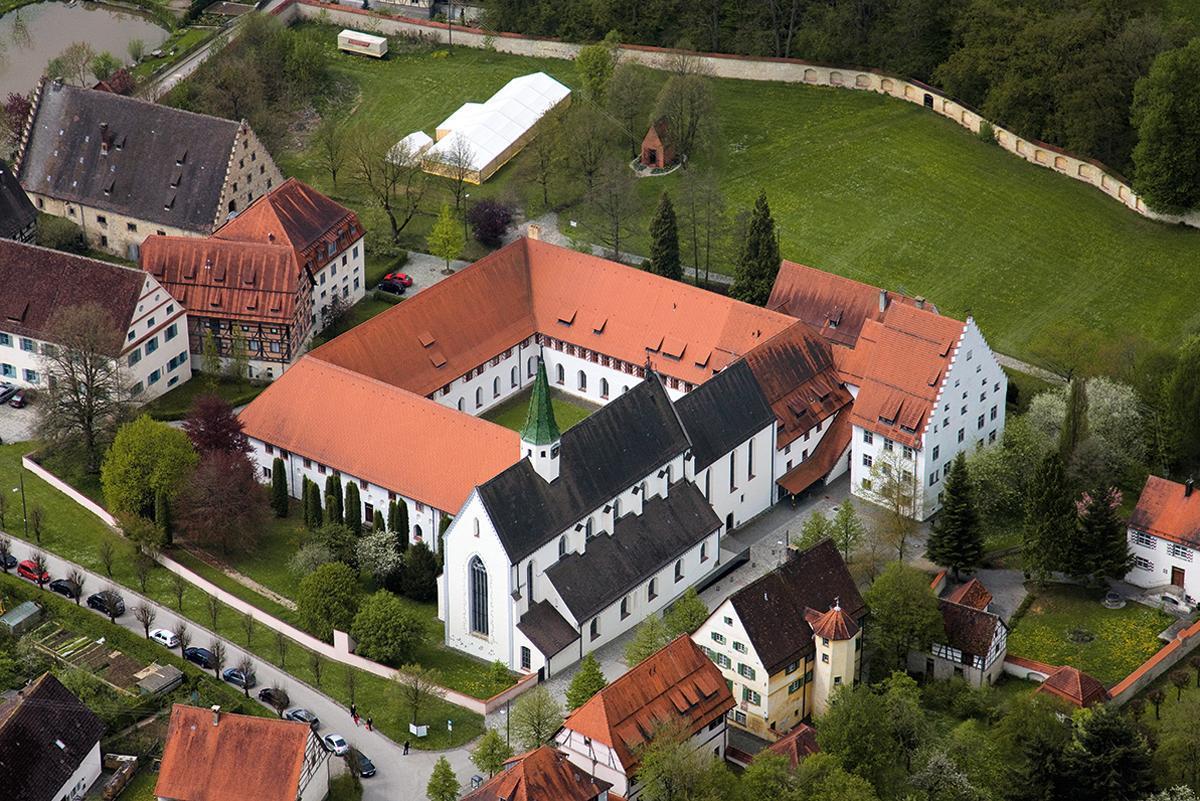 Luftaufnahme von Kloster Heiligkreuztal