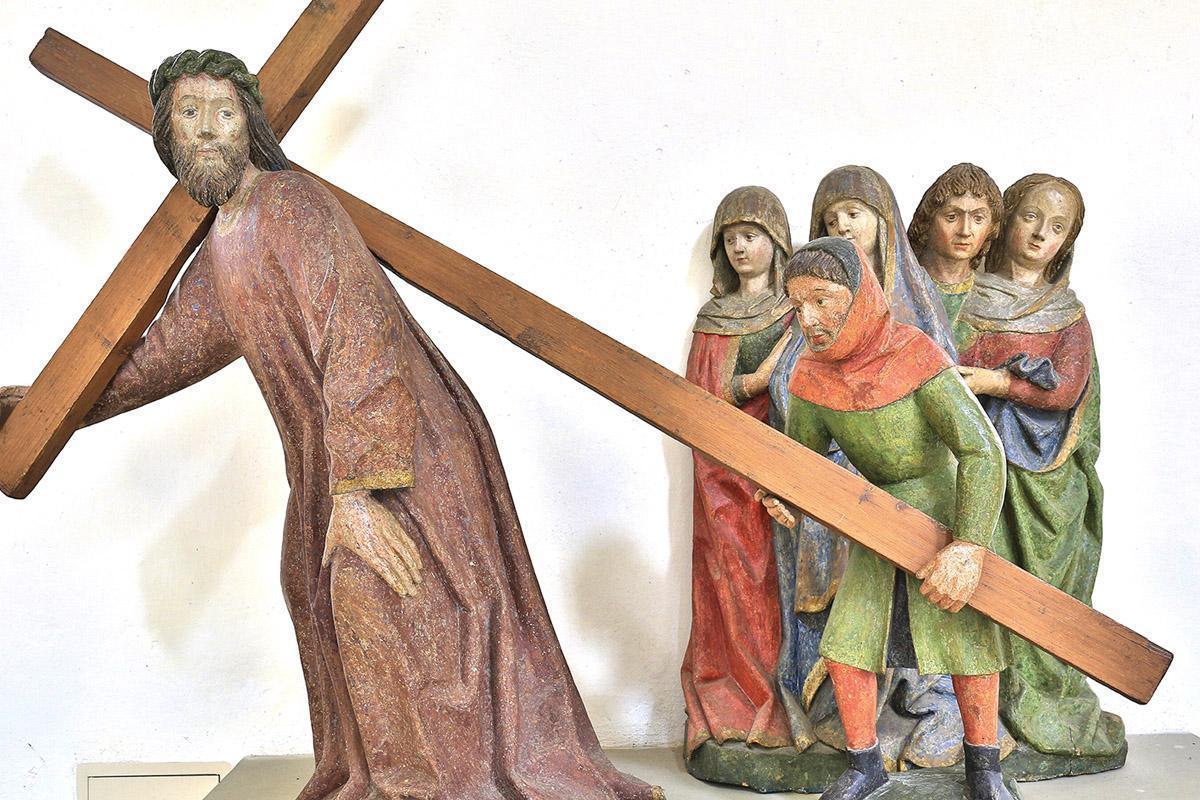 """Figurengruppe """"Kreuztragender Christus"""", Klosterkirche St. Anna des Klosters Heiligkreuztal; Foto: Staatliche Schlösser und Gärten Baden-Württemberg, Markus Schwerer"""