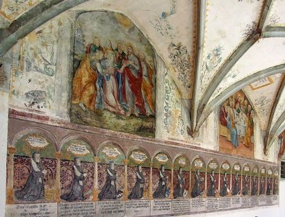 Die Äbtissinnengalerie im Kreuzgang; Foto: Wikipedia, gemeinfrei, Rainer Halama
