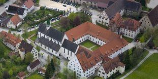 Luftansicht des Klosters Heiligkreuztal