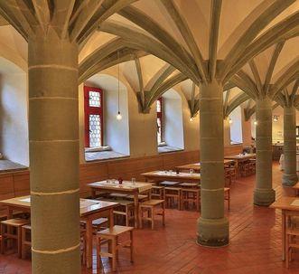 Blick in das Sommerrefektorium des Klosters Heiligkreuztal; Foto: Staatliche Schlösser und Gärten Baden-Württemberg, Markus Schwerer