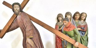 "Figurengruppe ""Kreuztragender Christus"", Klosterkirche St. Anna des Klosters Heiligkreuztal"